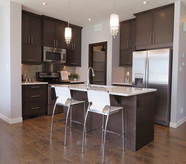 lustry v kuchyni.jpg