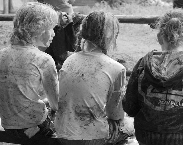 děti od bláta.jpg
