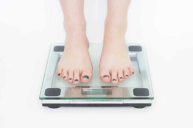 nohy na váze