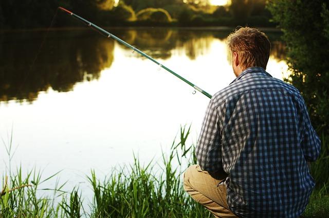 rybář v košily